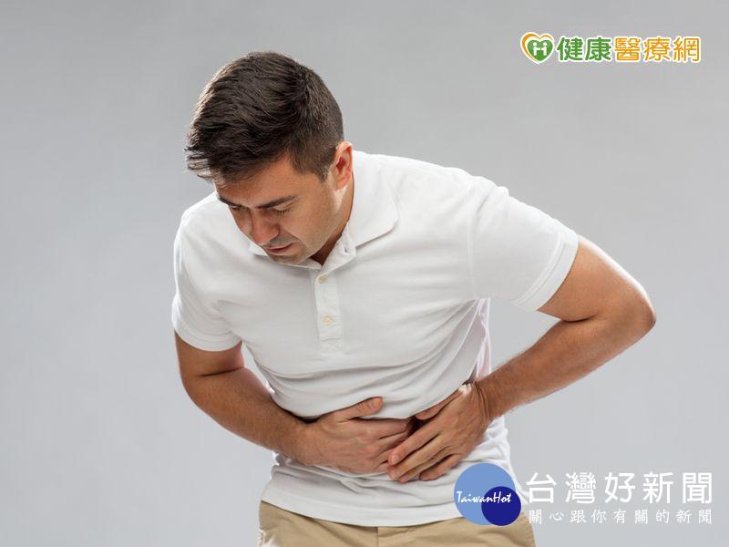 進食同時感覺飢餓、飽脹 當心胃潰瘍上身