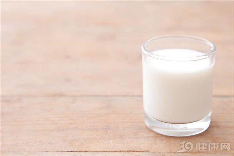愛喝牛奶的人,多半身體好!但犯了三個錯誤可不行