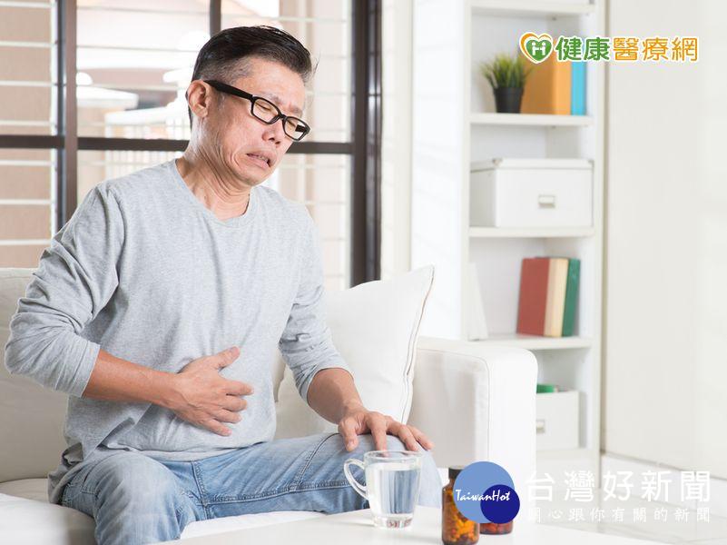 連吃胃藥2個月 男子竟升級2罩杯