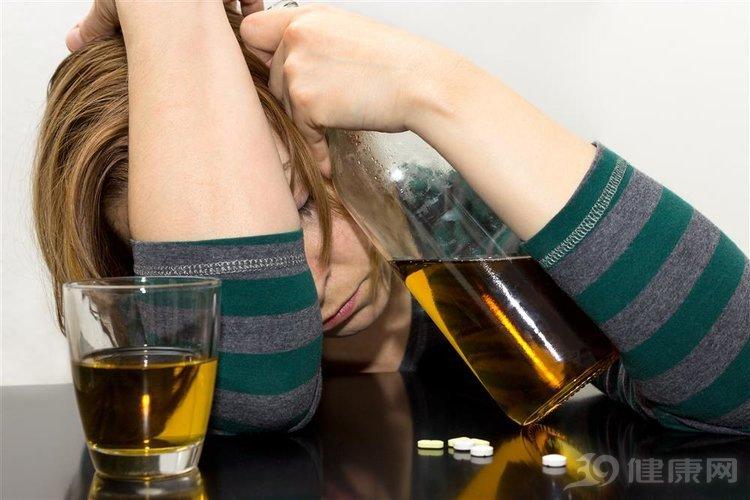 經驗總結:成功戒酒的人,有3個方法會反覆嘗試