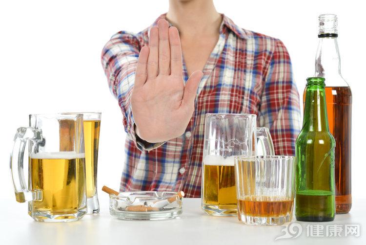 借酒澆愁還是無酒不歡?有這幾個表現,你的酒癮太大了