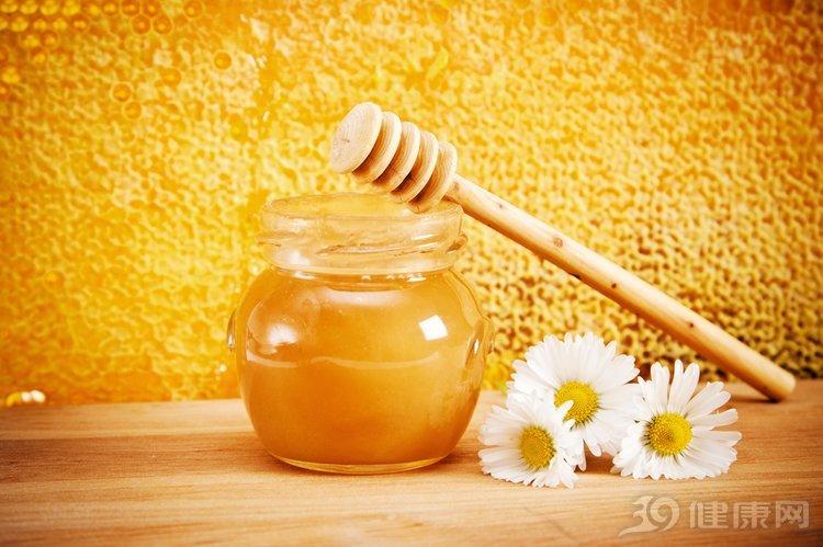 """蜂蜜水被稱為""""黃金水"""",5種人卻不敢碰,有你嗎?"""