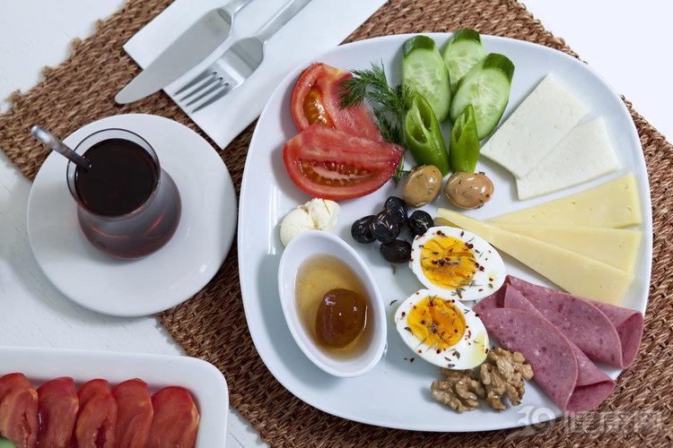 不瞞你說:每天拿6種食物作早餐,不生病才怪