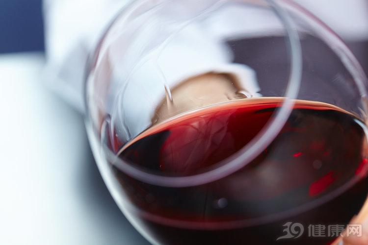 5類人請注意:酒精會一步一步壓垮你!別再喝了