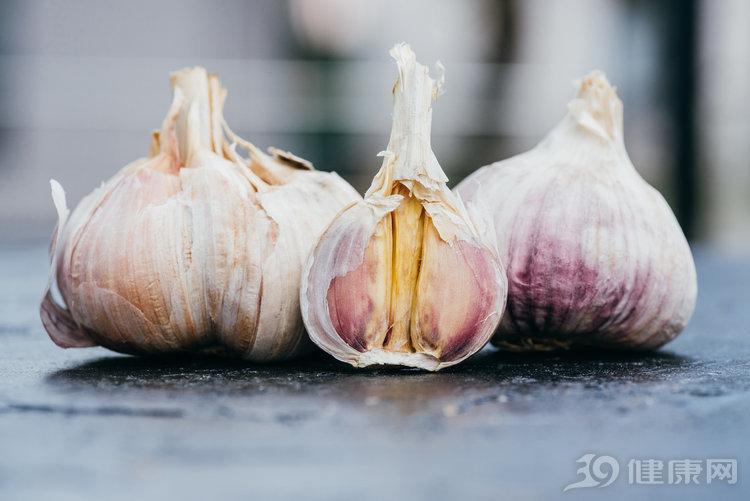 想秋天少生病,不妨多吃大蒜,幾個好處令人刮目相看