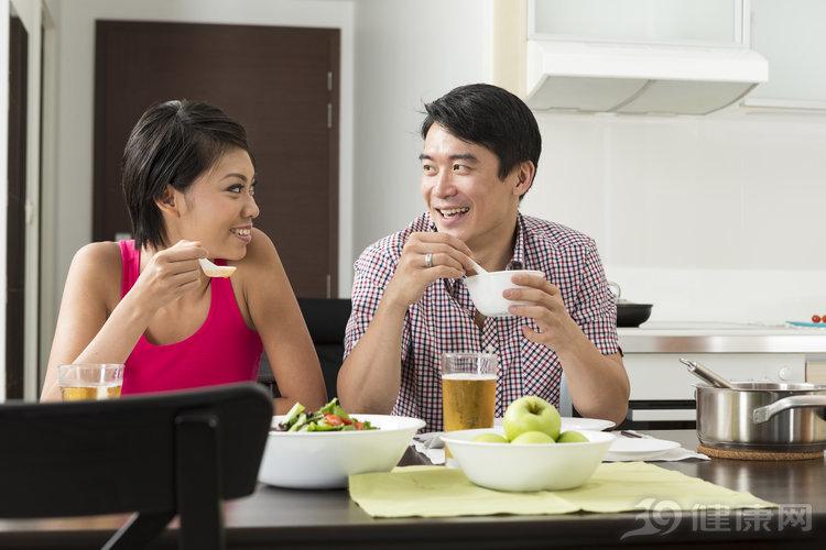 """會吃晚餐才是健康贏家!常犯6個錯,身體會越來越""""垮"""""""