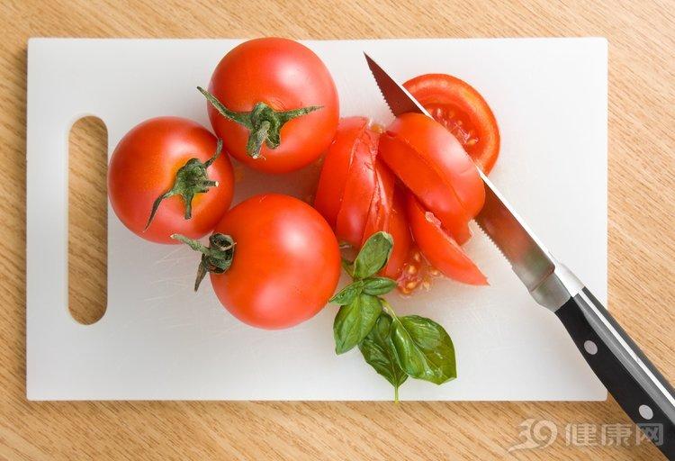 一個番茄,5大功效,抗癌、抗衰老、促消化,錯過就可惜了