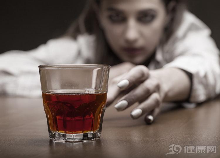 """染上酒癮,""""負面影響""""很大!6句話幫你除酒癮"""