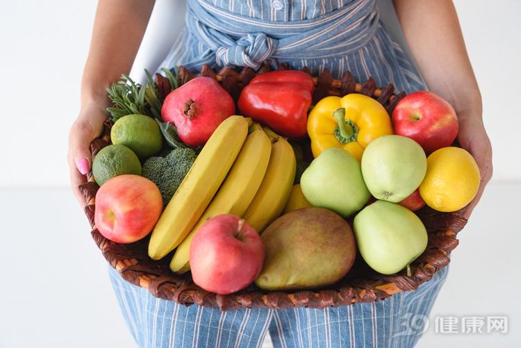 水果生吃好還是煮着吃好?如果是這3種,最好煮着吃