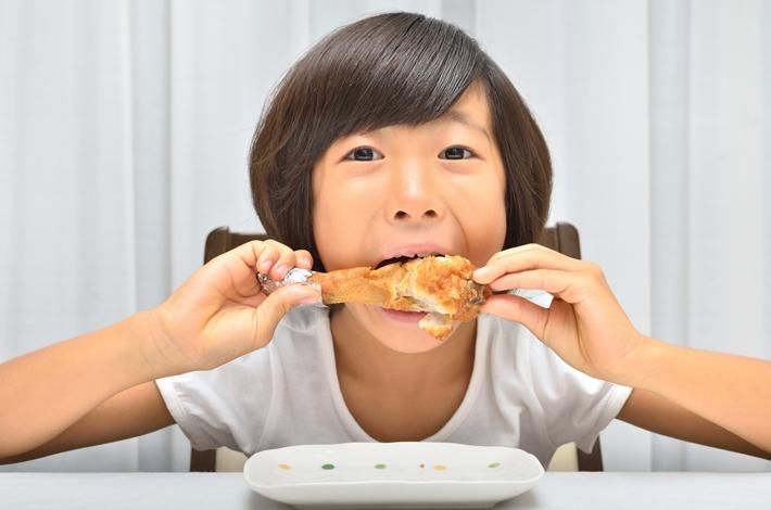 腎科主任:吃炸雞不會導致腎衰竭,但是會對健康造成2大損害!