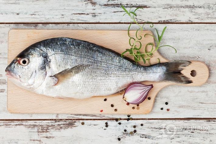 這5種人不能吃魚你知道嗎?看準別吃錯,不然很危險!
