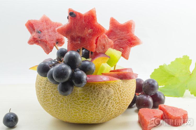 水果再喜歡也不能多吃,看完后你還敢貪吃嗎?