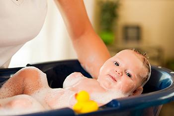 天氣這麼熱,寶寶每天需要洗幾次澡?