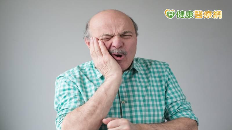 「帶狀皰疹」集中出現在50歲! 出現這些症狀莫輕忽_板橋植牙推薦