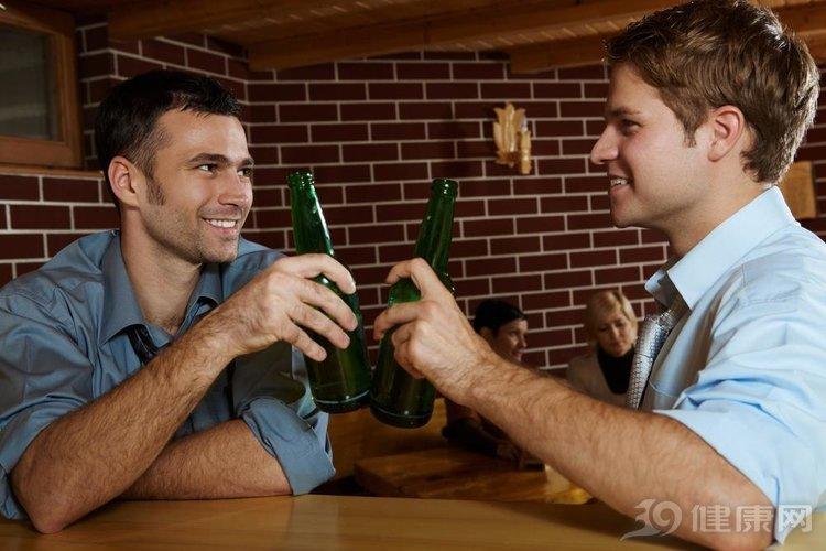 """告知:四個表現都不落,你可以稱得上""""酒鬼""""了"""