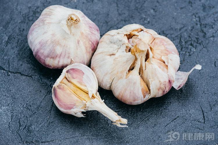 """大蒜是""""血管的清道夫"""",常吃有好處!除了這4種人"""