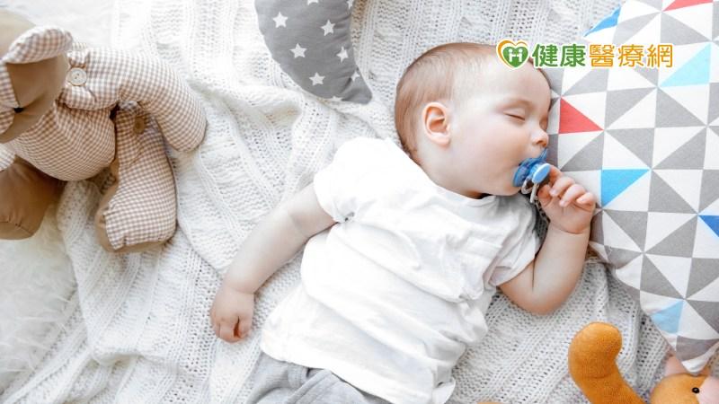 小baby幾歲要斷奶嘴? 兒科醫師這樣說_牙冠增長術
