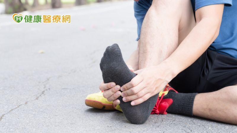 運動後總是行走困難?! 小心僵直性脊椎炎作祟_皰疹