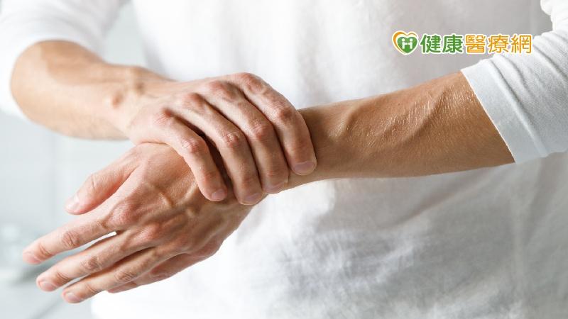 手腕痛一定是媽媽手? 醫師告訴你如何鑑別_多囊性卵巢症候群